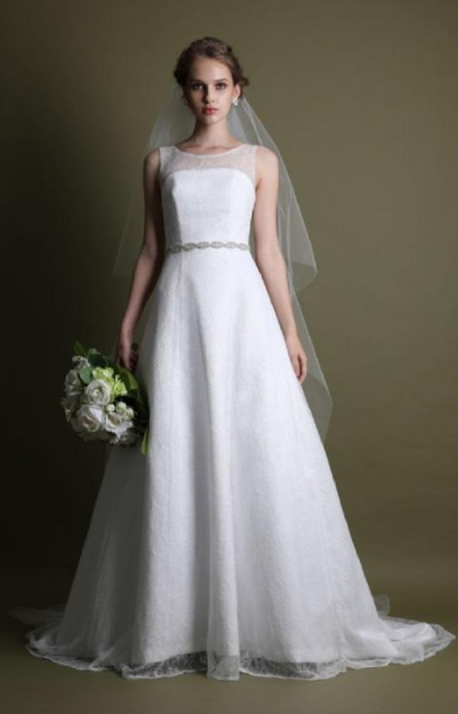 ドレセルのウェディングドレスの例2